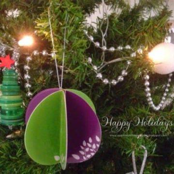 DIY Christmas paper baubles