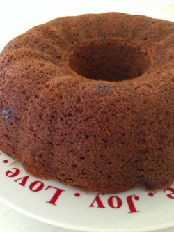 Gluten-Free Banana and Chocolate Bundt Cake ...moist, delicious and easy to make!