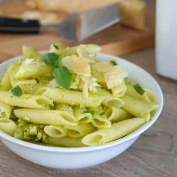 Homemade Basil and Cashew Pesto Pasta Recipe