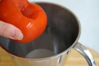 tomato and boiling water