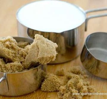 Brown sugar and white sugar for baking cookies