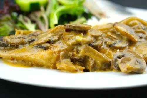 Creamy Mushroom Chicken ...delicious!