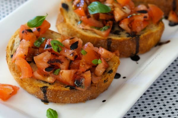 How to make Balsamic Glaze for Easy Tomato Bruschetta with Balsamic Glaze!