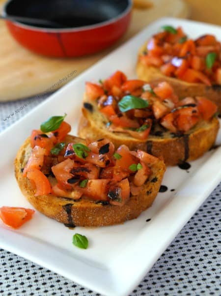 Tasty and Easy Tomato Bruschetta with Balsamic Glaze!
