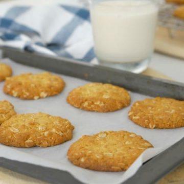 Crisp Australian Anzac Biscuits (gluten-free option too) recipe