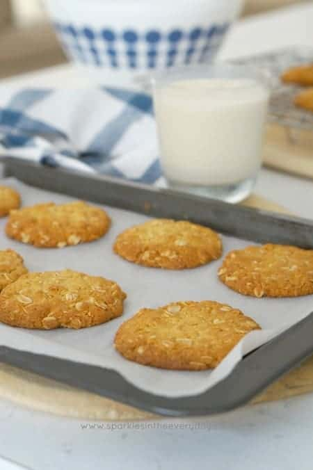 Crisp Australian Anzac Biscuits (gluten-free option too)